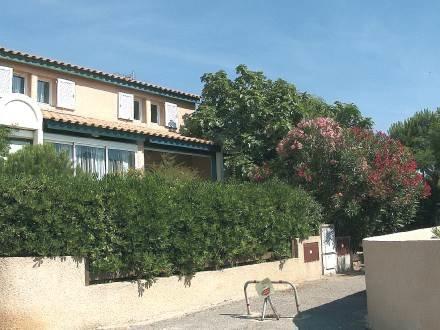 Les Cistes Roses ~ RA26652 - Image 1 - Saint Pierre la Mer - rentals