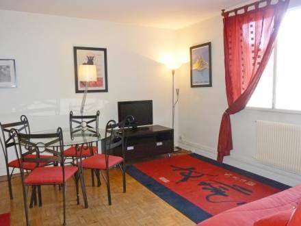 14 rue Yvonne Le Tac ~ RA24570 - Image 1 - 18th Arrondissement Butte-Montmartre - rentals