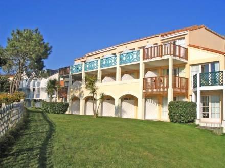 Résidence La Frégate ~ RA24994 - Image 1 - Bourgenay - rentals