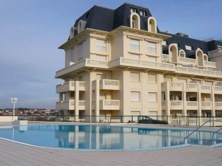 Residence La Roseraie ~ RA25930 - Image 1 - Bidart - rentals