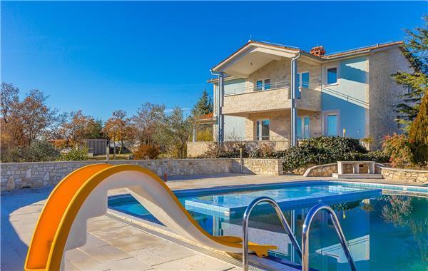6 bedroom Villa in Vodnjan, Istria, Majmajola, Croatia : ref 2208522 - Image 1 - Divsici - rentals