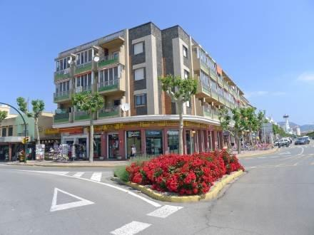 Edificio Catalunya ~ RA20417 - Image 1 - Empuriabrava - rentals