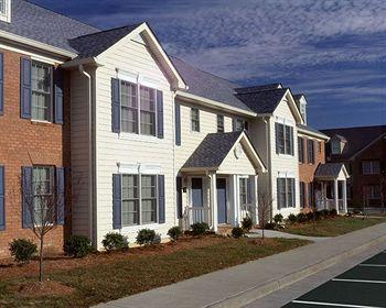 Exterior view - Williamsburg, VA -- Week of Aug 1 - Aug 8 - Williamsburg - rentals