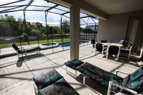 Huge pool area - Impressive 6 Bedroom Home in Trafalgar Village with Private Pool and Patio - Kissimmee - rentals