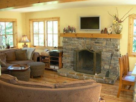 Light Filled Great Room, French Windows, Stone Fireplace and Hardwood Floors - Romantic Retreat for Winter Bliss - Incline Village - rentals