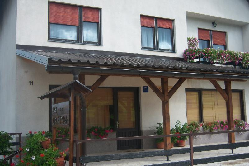 Ku?a - Dobrodošli u prelijepi dio Gorskog kotara - Vrbovsko - rentals