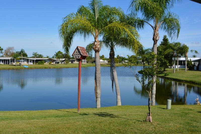 View to Lake - Lakefront 2 bed, Private Hot Tub, 55+ Community - Ellenton - rentals