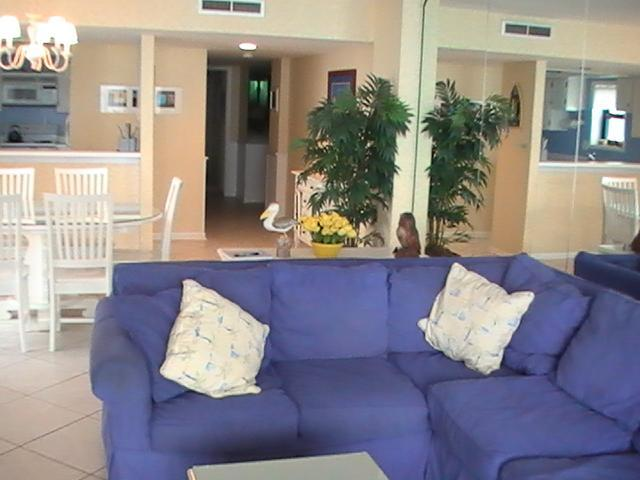 Living Area - Oceanfront 3 Bedroom Vacation Rental with a Pool, - Myrtle Beach - rentals