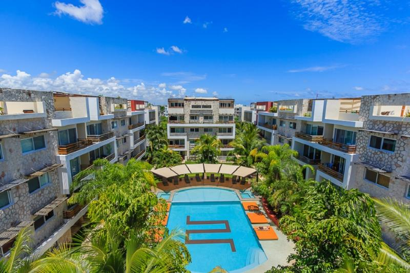 Amazing view of the condo and the shared pool - Amazing apartment in the heart of Playa del Carmen - Playa del Carmen - rentals