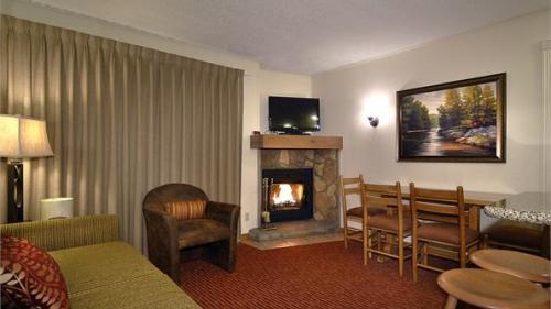 Living Room - Convenience and Value at Colorado Ski Resort February 21-28, 2015 - Avon - rentals