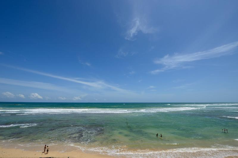 Azure waters outside Iyla - Iyla - Spacious family villa on the beach - Galle - rentals