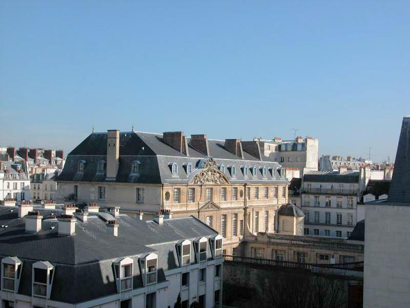 A view from the Apartment. The Marais is the most fascinating area of Paris. A place of Royal residence in the 17th century, it was declared a historical monument in 1962. The area is fashionable again with a lively mix of Galleries, Restarants, Chic fash - 069 One bedroom   Paris Le Marais district - Paris - rentals