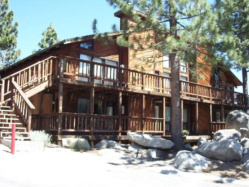Front of Building - Mountain Cabin Condo with No Stairs - Stateline - rentals