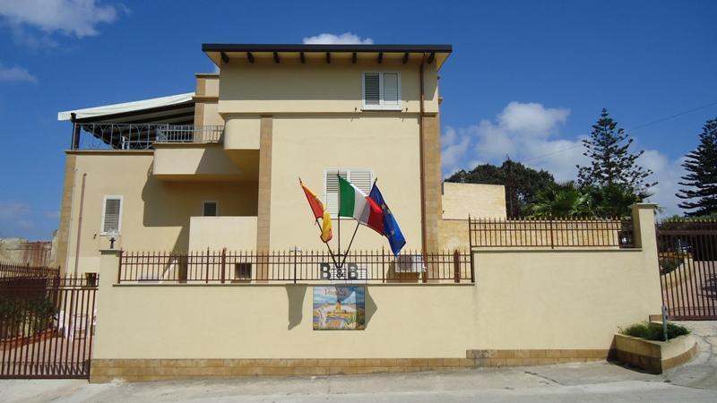 Villa Mozia B&B 10 km Airport Trapani-Birgi - Image 1 - Marsala - rentals