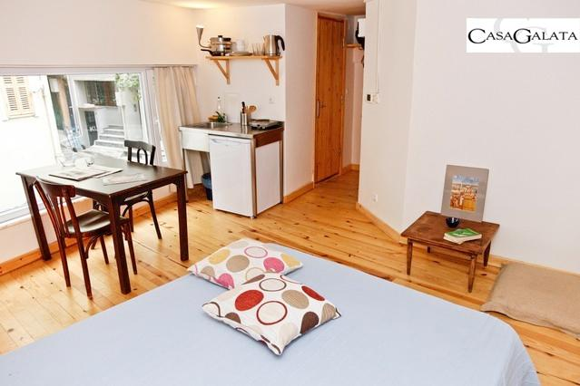 Cool Wooden Floor Studio In Galata Istanbul - Image 1 - Istanbul - rentals