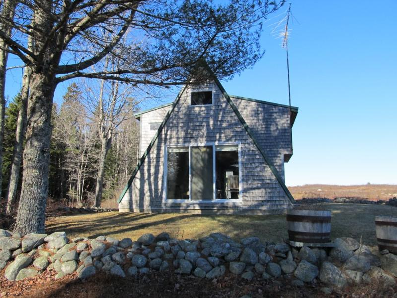 Charming exterior of cottage - Annie B - Cranberry Isles - rentals