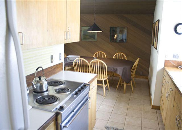 Comfortable Sunriver Condo with Inviting Views in a Peaceful Setting - Image 1 - Sunriver - rentals