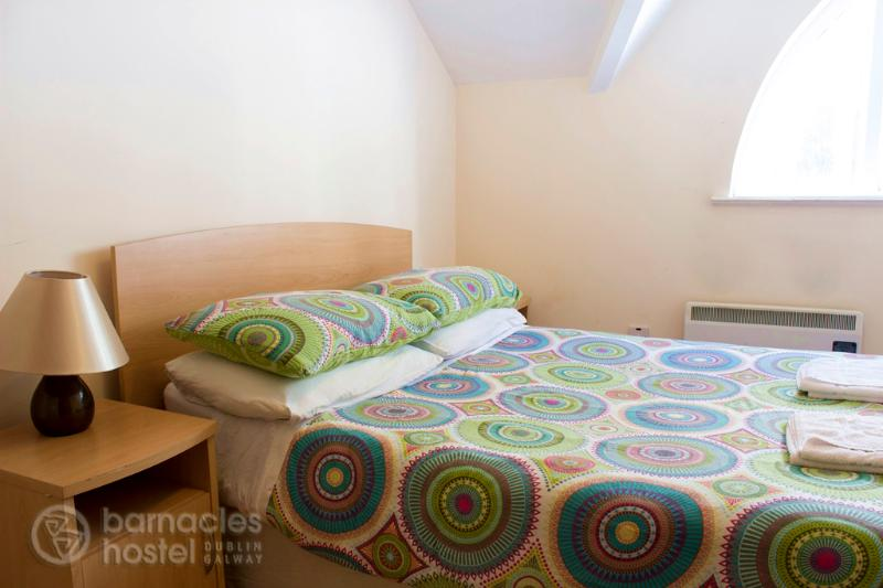 Double bedroom - Barnacles Galway 2 bedroom apartment - Galway - rentals
