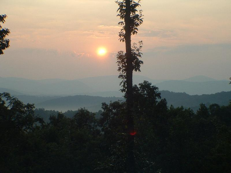 A summer sunrise - Awesome View! Pool Table Hot Tub  Home Theater - Ellijay - rentals