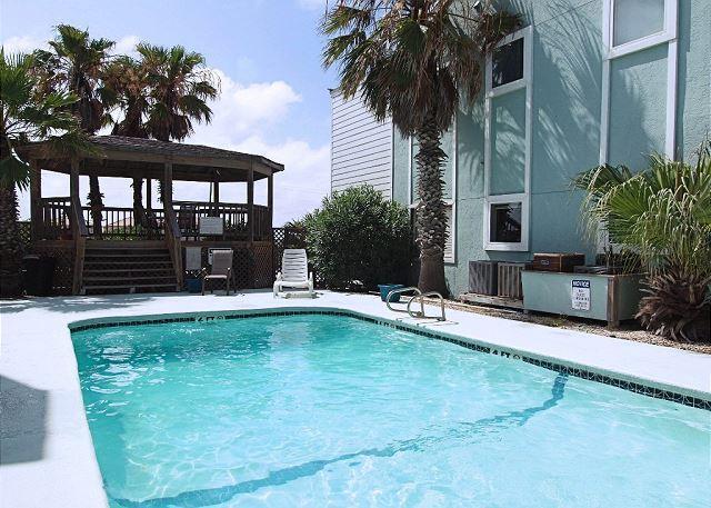 Pool - Cozy Condo close to the Beach - Corpus Christi - rentals