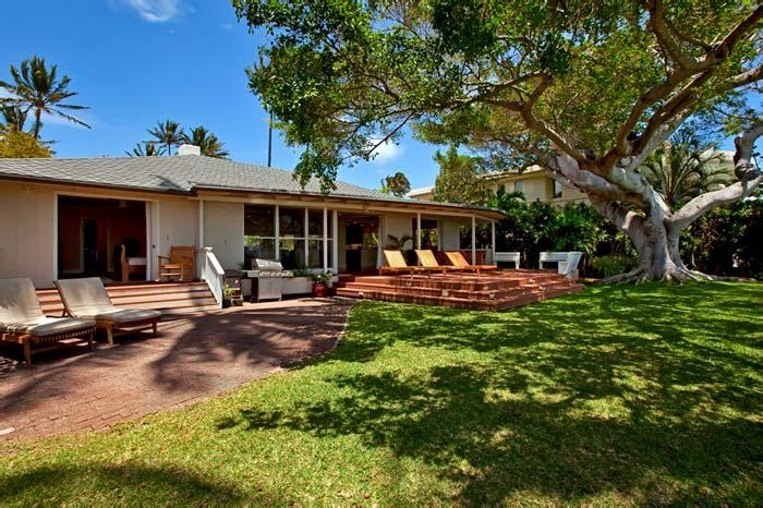 Banyan Tree Beach Estate, Sleeps 10 - Image 1 - Honolulu - rentals