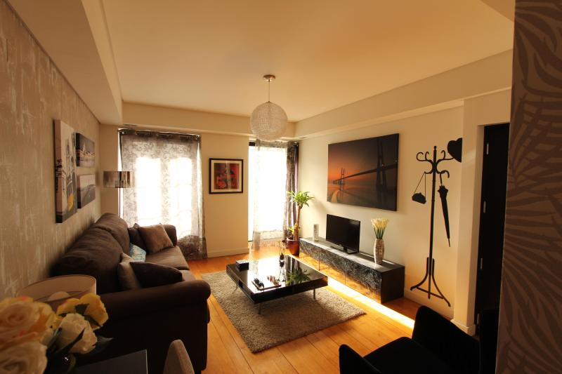 Designer Apartment in Trendy Bairro Alto - Image 1 - Lisbon - rentals