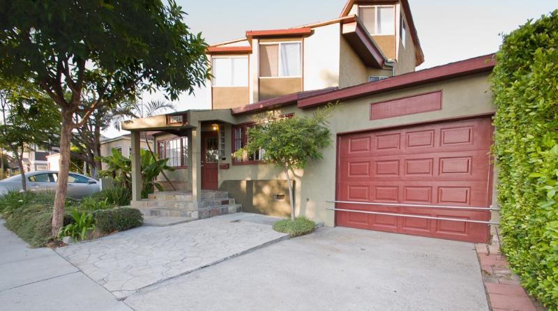 Front of house - Architectural-6 Bed 4 BA-Fantastic Location, Uniqu - Marina del Rey - rentals