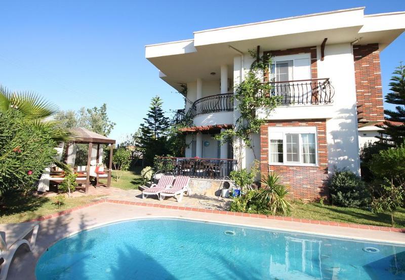 Villa Sunshine - Image 1 - Side - rentals
