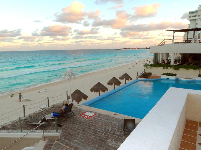 Large Sunny Balcony -over looking pool and beach - Big Sunny Terrace Direct On Beach/Pool - Cancun - rentals