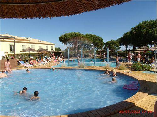 Luxury  T1 in Albufeira with swimming pool - Oura, Strip, Beach - Image 1 - Albufeira - rentals