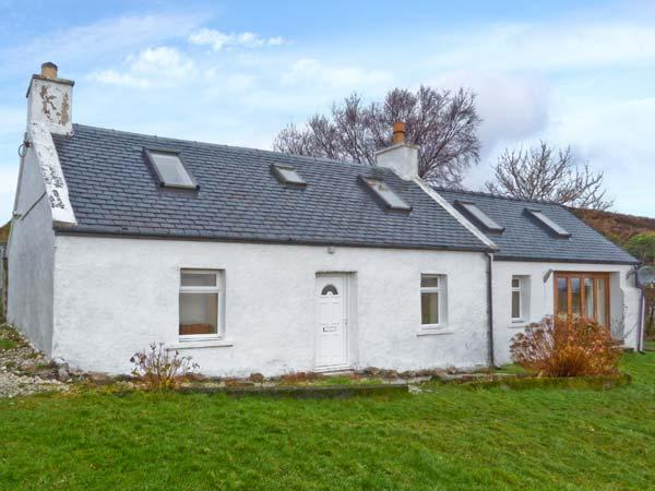 SOLAS, detached stone cottage, multi-fuel stove, games table, lawned garden, in Camuscross, near Broadford, Ref 25777 - Image 1 - Broadford - rentals