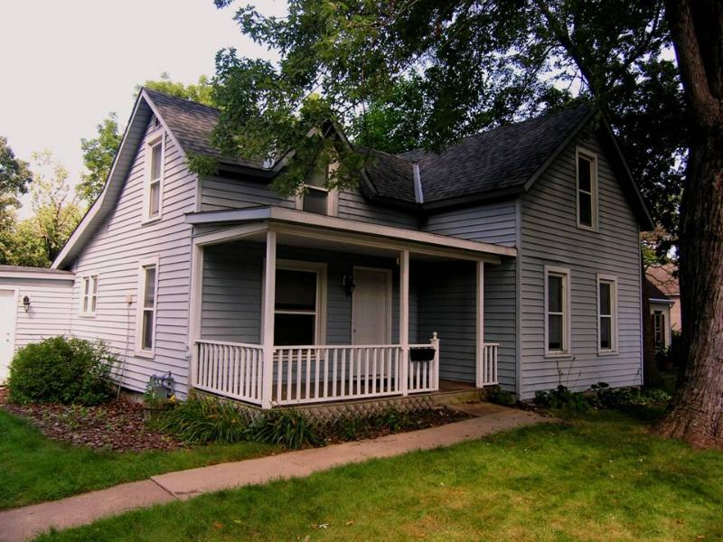Front Porch - Hastings Cottage - Mississippi & St. Croix Rivers - Hastings - rentals