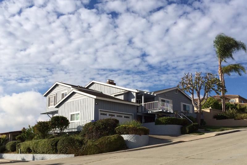 Beautiful Bay Park Home with easy 2 car attached super clean garage with direct access to the house. - Tim's Ocean/Bay View Retreat - All New - 2017 - Pacific Beach - rentals