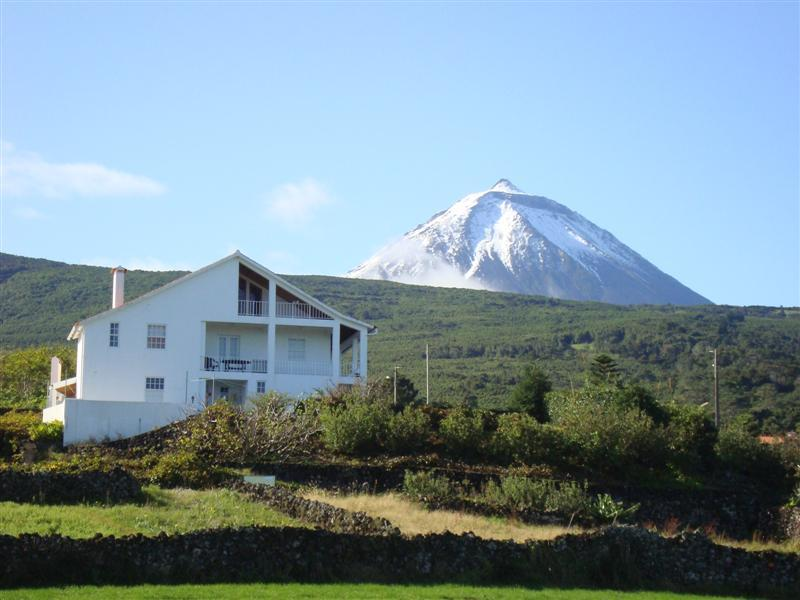 """ CASA DO CANTO"" House and Pico montain - PICO Holiday Rentals-Casa do Canto -S. Roque Pico - Sao Roque do Pico - rentals"