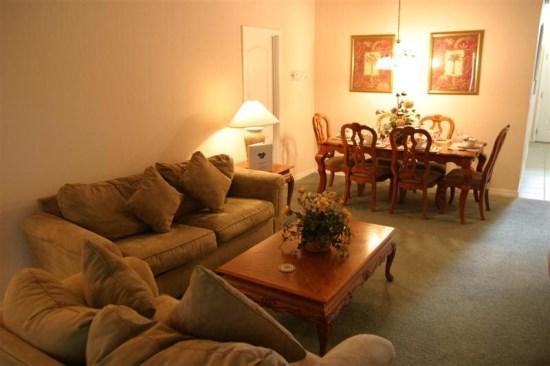 Living area - Beautiful 5 Bedroom 3 Bath Single Story Pool home - Orlando - rentals
