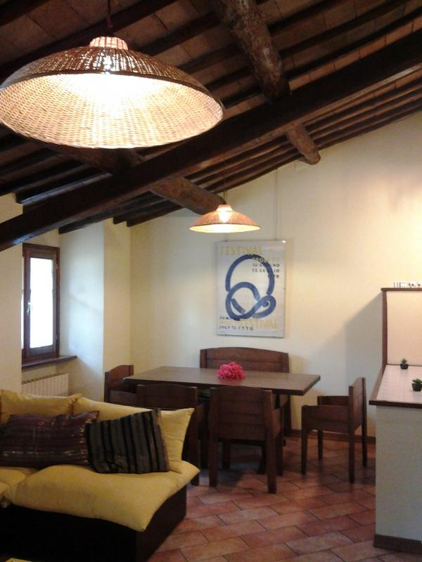 living dining area - apt for 2/4 pax la rocca Spoleto - Spoleto - rentals