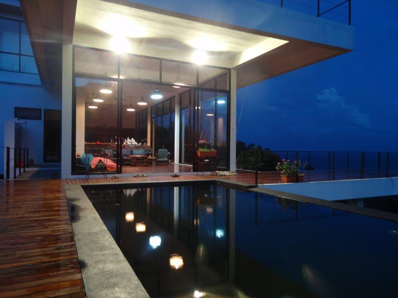 Pool and living room - Luxury contemporary villa with amazing seaview - Koh Tao - rentals