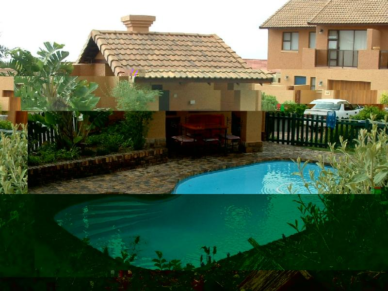 Swimming pool - 2 Bedroom Apartment in Mosselbay Golf Estate - Mossel Bay - rentals
