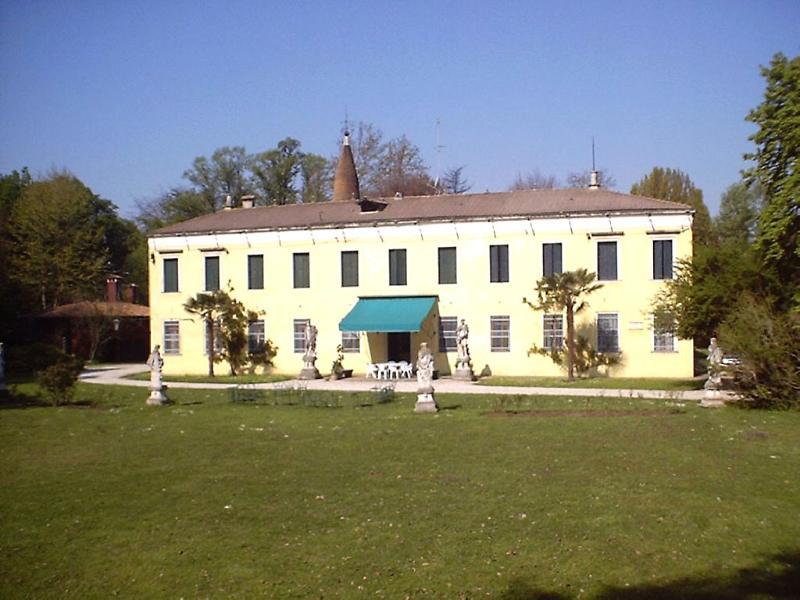 Venetian Villa near Padua - Your perfect location to explore Padua, Venice, Verona and the Veneto - Image 1 - Padua - rentals