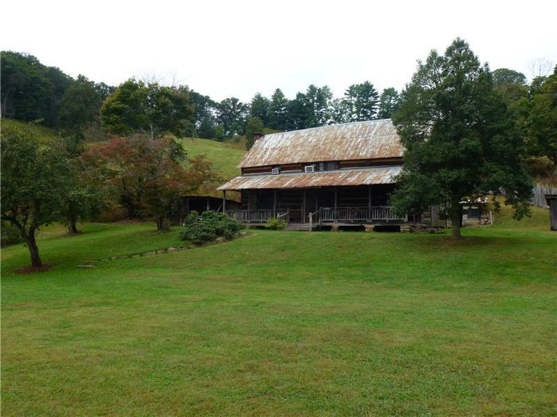 Historic Estes Cabin - Image 1 - Bryson City - rentals