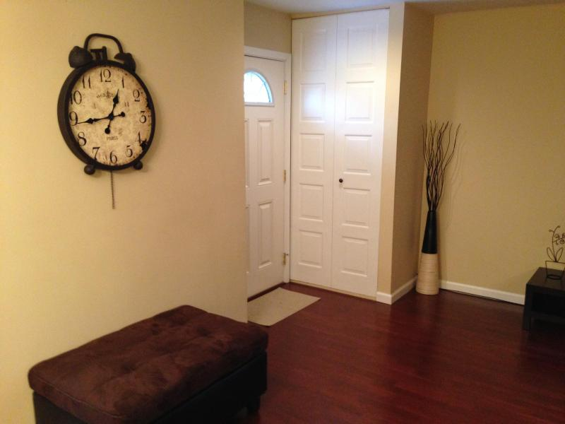 ABSOLUTELY BEAUTIFUL RENTAL TOWNHOME! - Image 1 - Hoffman Estates - rentals