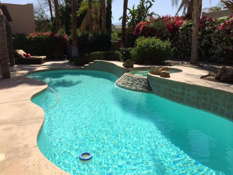 April Special !!! Palm Desert with private pool - Image 1 - Palm Desert - rentals