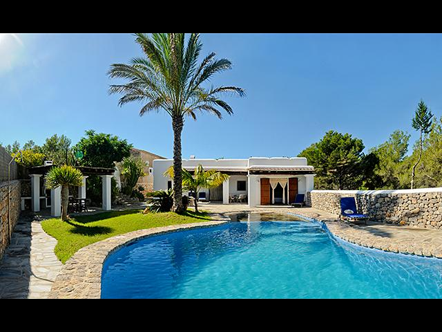 kidney shaped 9x5m swimming pool with fountain and waterfall - Ibicencan villa nearby 2 beaches plus tennis court - Ibiza - rentals