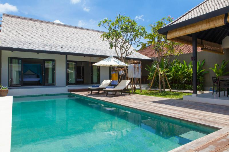 Pool and view to bedrooms - Smart Villa in a great location - 10 meter pool - Canggu - rentals
