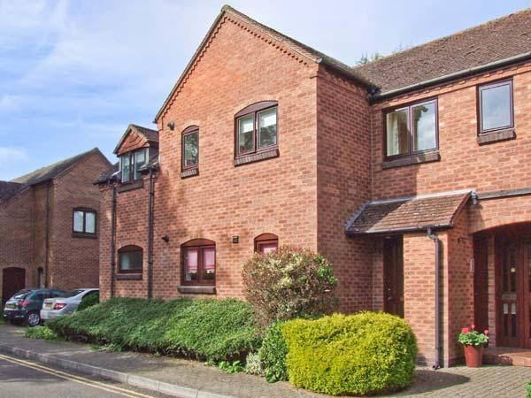 9 BANCROFT PLACE, ground floor apartment, short walk from amenities, off road parking, in Stratford-upon-Avon, Ref. 24856 - Image 1 - Stratford-upon-Avon - rentals