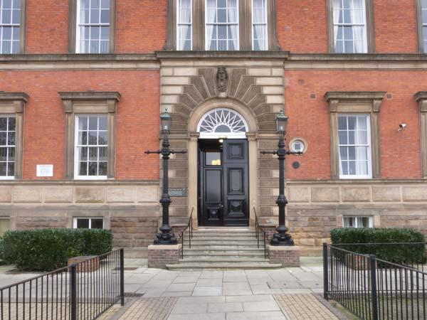 FLAT 50, COUNTY HOUSE, fantastic central location, designated parking, close to amenities, in York, Ref. 31106 - Image 1 - York - rentals