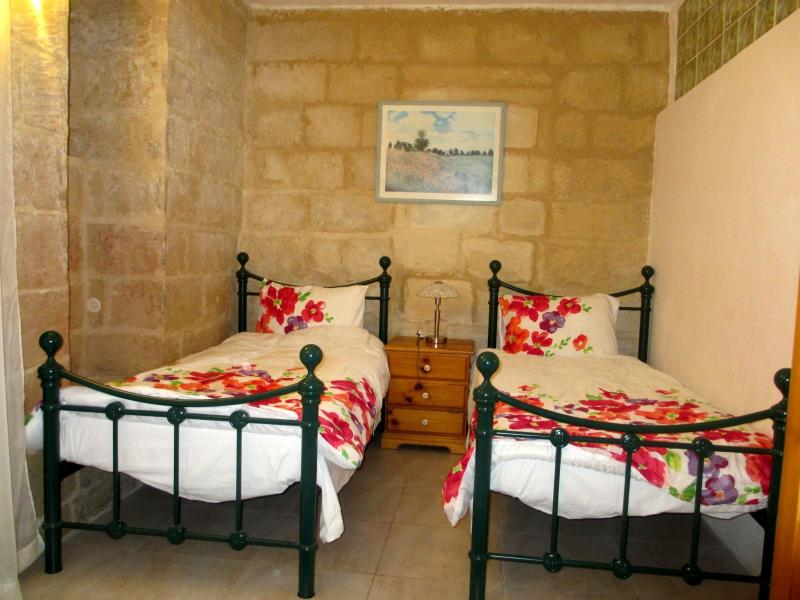 Bedroom 1 - Charming Sliema flat - Sliema - rentals