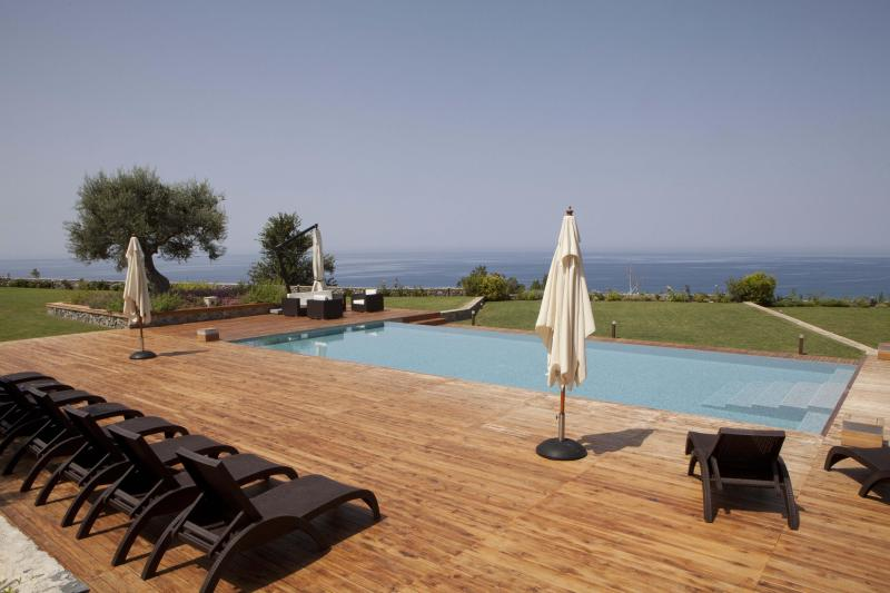 Ocean view from the pool - Villa Mediterraneo: Luxury Villa Rental - Calabria - Fuscaldo - rentals