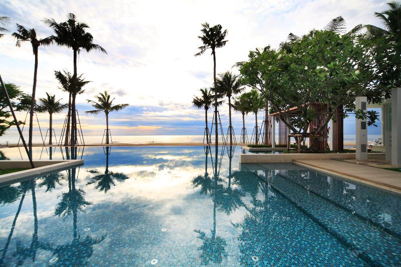 Pool on the beach - Ocas Condo-Beachfront, Hua Hin - Hua Hin - rentals