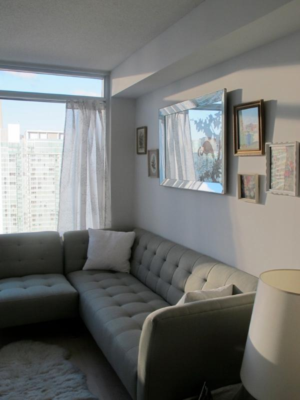 Sectional couch that can sleep a third person (very cozy) - Beautiful One Bedroom Condo with CN Tower view - Toronto - rentals